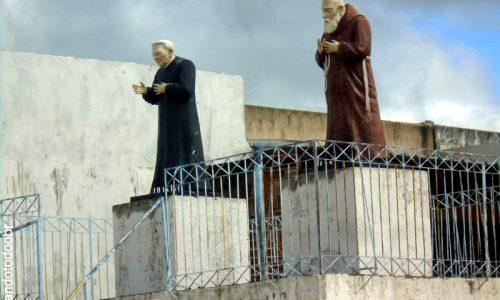 Abaiara - Imagens em homenagem a Padre Cícero e Frei Damião