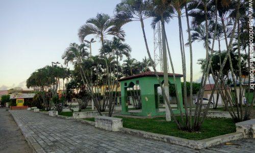 Arês - Praça na Rua Leônidas de Paula