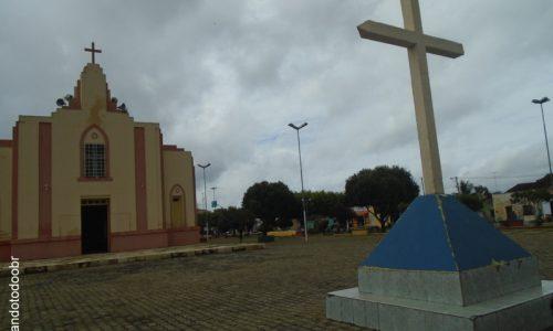 Ararendá - Praça da Igreja Matriz de São Vicente de Paulo