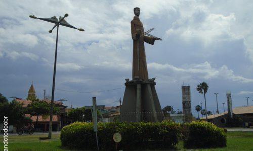 Cruz - Imagem em homenagem a São Francisco das Chagas