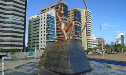 Fortaleza - Estátua em homenagem a Iracema Guardiã