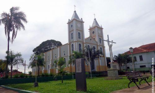 Goiandira - Igreja Matriz do Sagrado Coração de Jesus