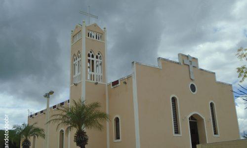 Ipaporanga - Igreja Matriz do Sagrado Coração de Jesus