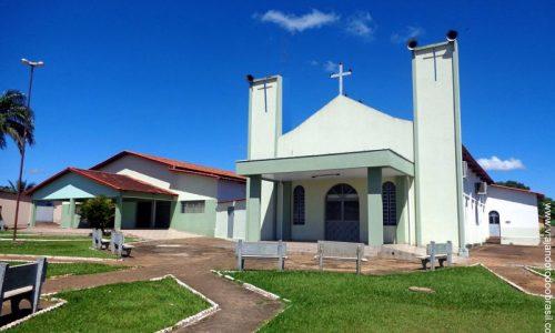 Israelândia - Praça da Igreja de São João Bosco