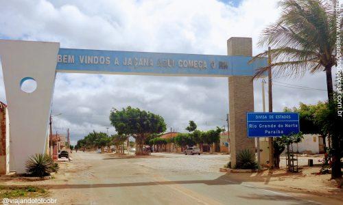 Jaçanã - Pórtico na entrada da cidade