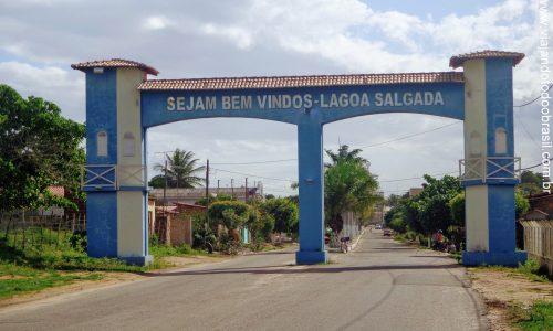 Lagoa Salgada - Pórtico na entrada da cidade