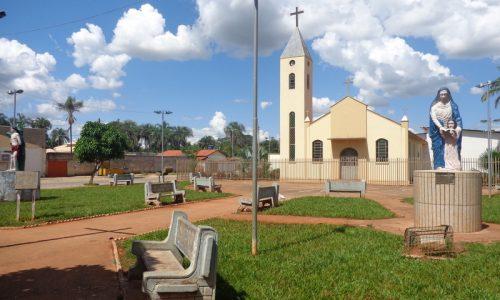 Nazário - Praça da Igreja de Nossa Senhora de Santana (Povoado de Claudinápolis)
