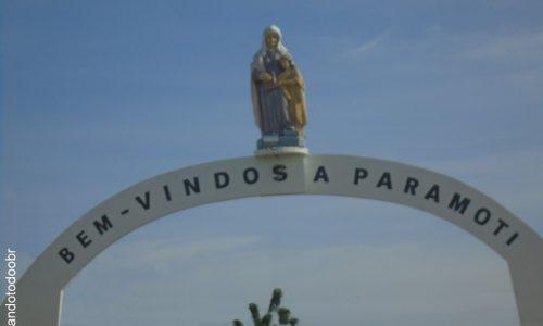 Paramoti - Portal na entrada da cidade