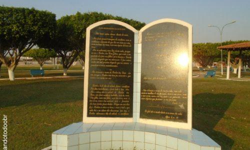 São Miguel do Guaporé - Praça da Bíblia
