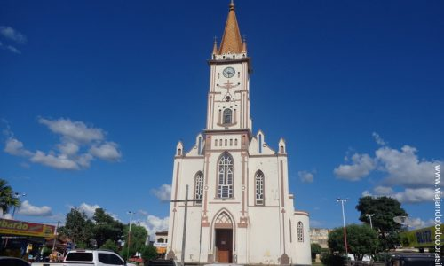 Uruana - Igreja Matriz de São Sebastião