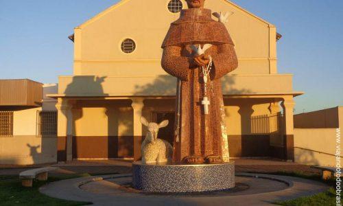 Anicuns - Imagem em homenagem a São Francisco de Assis