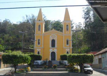 Apiacá - Igreja Nossa Senhora de Sant'Ana