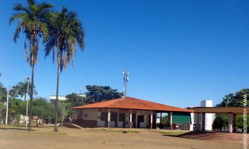 Bela Vista de Goiás - Praça José Lobo