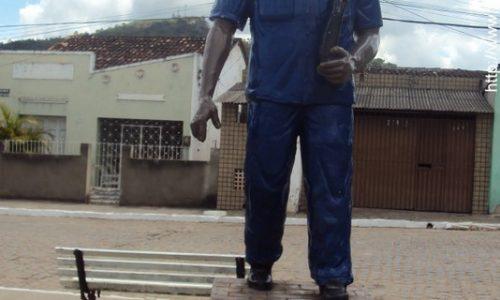 Bonito - Estátua em Homengem a Amaro Manoel do Rego