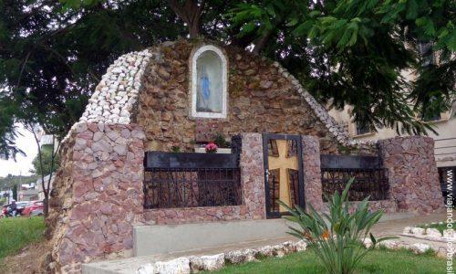 Catalão - Gruta na Igreja de Nossa Senhora Mãe de Deus