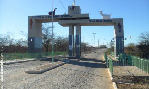 Coxixola - Pórtico na entrada da cidade