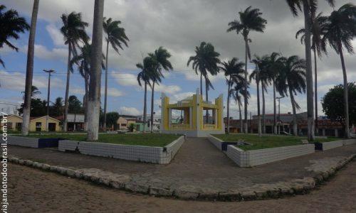 Cruz do Espírito Santo - Praça Renato Ribeiro Coutinho