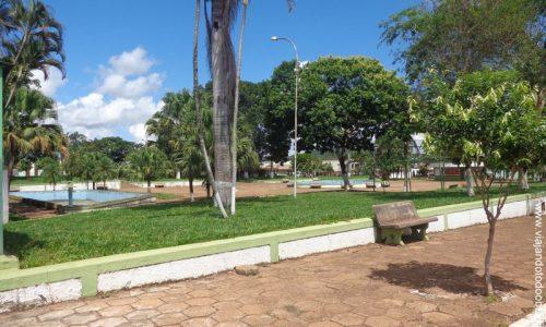 Doverlândia - Praça da Prefeitura