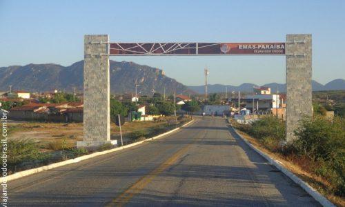 Emas - Pórtico na entrada da cidade