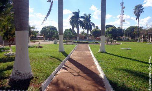 Gouvelândia - Praça da Igreja Matriz de São João Batista