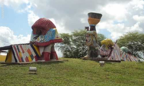 Nazaré da Mata - Estátuas em Homenagem ao Maracatu