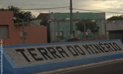 """Pedra Lavrada - Letreiro """"Terra do Minério"""""""
