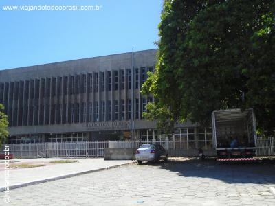Fortaleza - Biblioteca Pública Municipal Menezes Pimentel