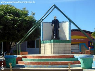 Umari - Imagem em homenagem a Padre Cícero