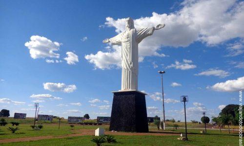 Quirinópolis - Imagem em homenagem ao Cristo Redentor
