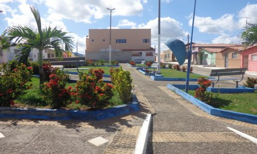 São Pedro - Praça atrás da Igreja
